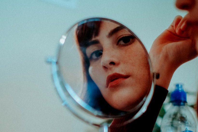Τo αυτο-like είναι σαν να φιλάς τον εαυτό σου στον καθρέφτη