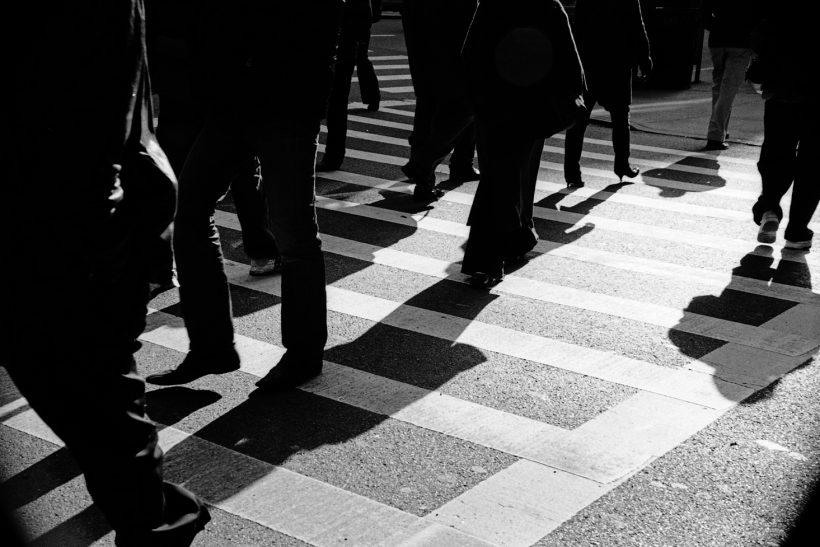 Από τη θεωρία των πολιτευμάτων στην πράξη, μια δημοκρατία δρόμος