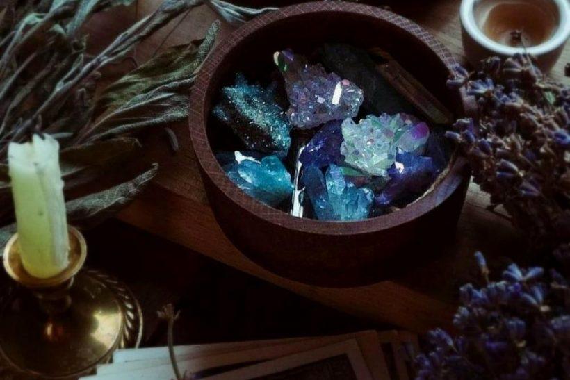 Ενεργειακοί κρύσταλλοι· η θεραπεία της φύσης κρυμμένη σε μια πέτρα