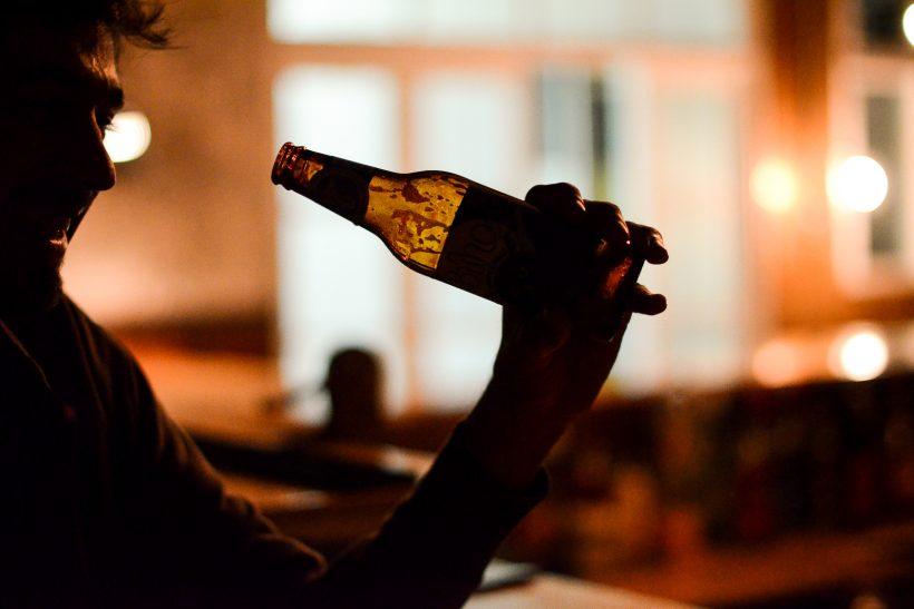 Κι αν η ζωή σού φαίνεται σαν ζεστή μπίρα, μη σκας, θα δροσίσει