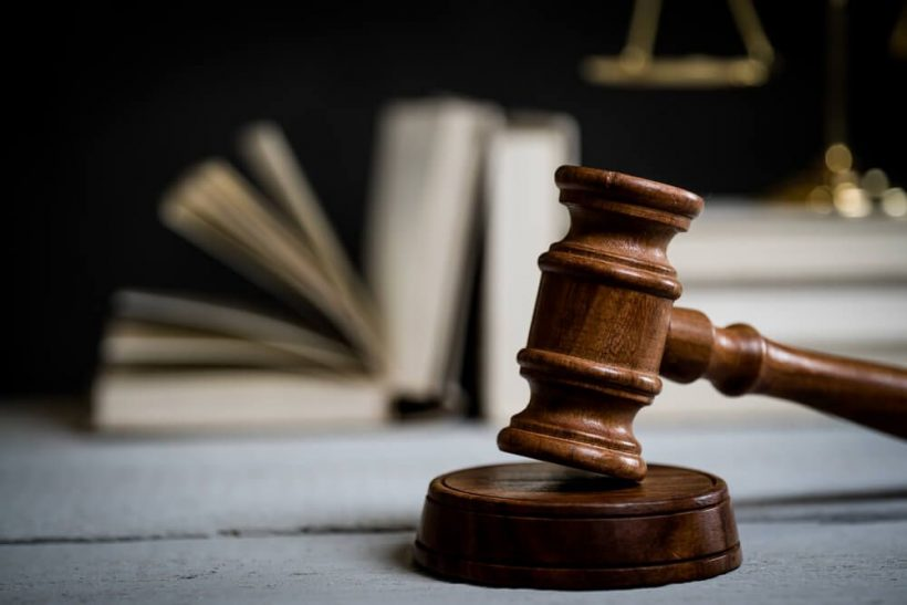 Η κατάρα των δικηγόρων: ζητάμε τεκμήρια και στη ζωή