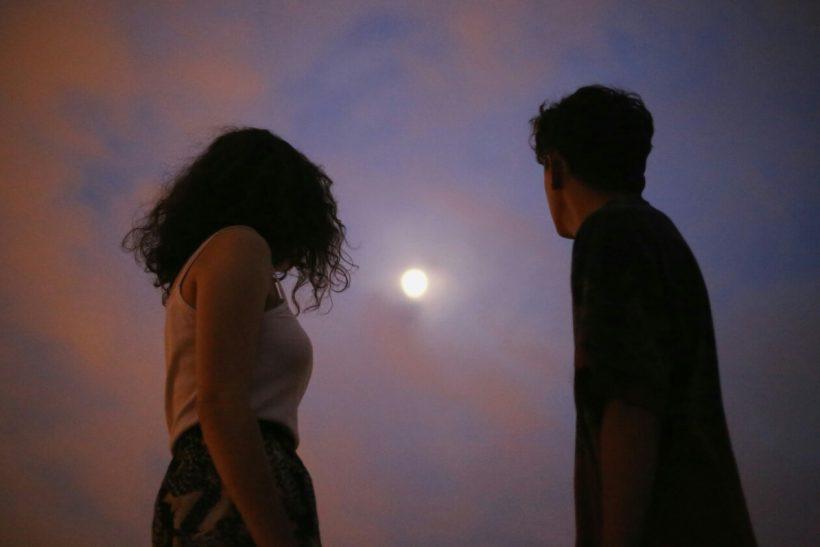 Οι οδηγίες χρήσεως σχέσεων βλάπτουν σοβαρά τον έρωτα