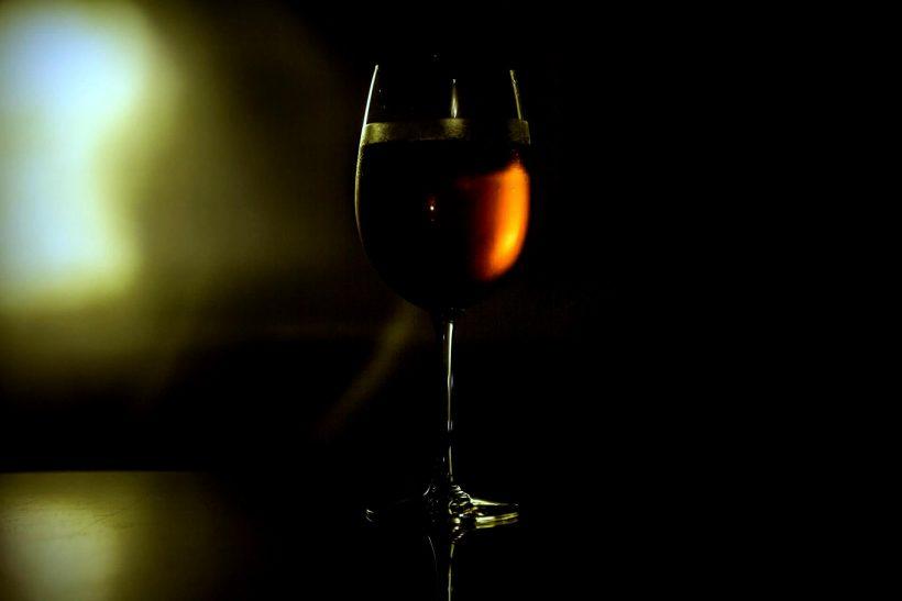 Ένα ποτήρι που δεν άδειασες μα ούτε και γέμισες ποτέ