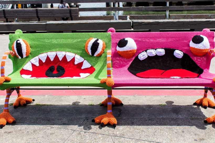 Yarn Bombing· μια μορφή τέχνης που θα συναντήσεις στο δρόμο