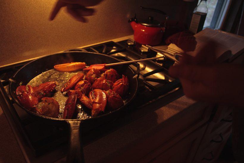 H μαγειρική δεν είναι αγγαρεία αλλά ψυχοθεραπεία