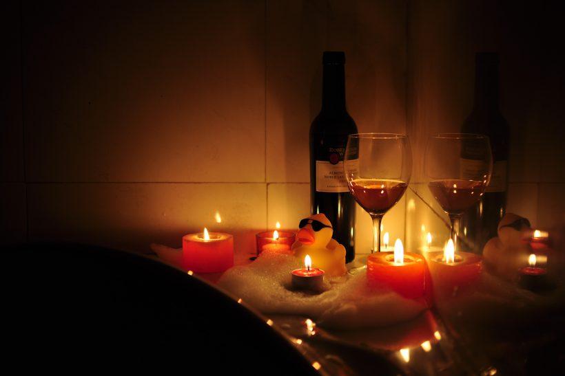 5 ιδέες για ένα τέλειο date-night εντός σπιτιού