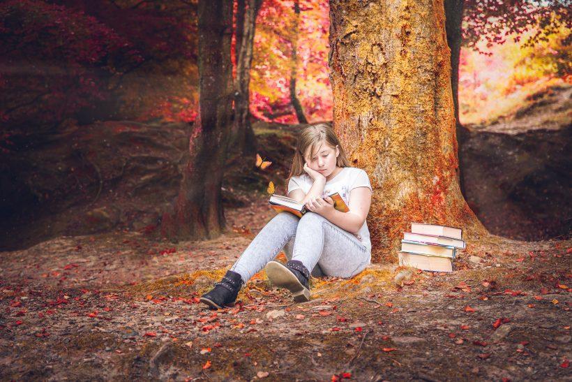 Όταν βλέπεις κάποιον να διαβάζει το αγαπημένο σου βιβλίο