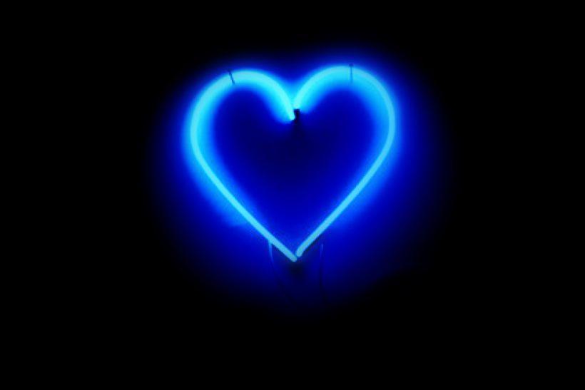 Μπλε καρδιά, η χυλόπιτα των social media