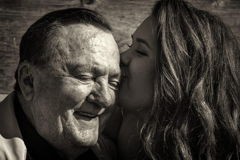 Ο παππούς πάσχει από άνοια