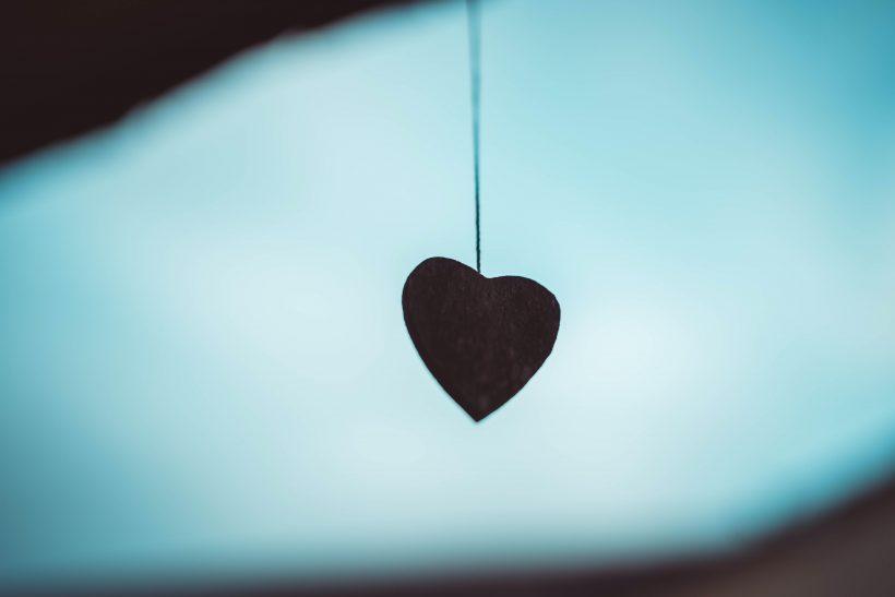 H νέα σχέση δεν υπόσχεται συναισθηματική ίαση