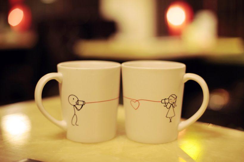 Γίνεται χρόνια μετά να μην ξέρει ούτε πώς πίνεις τον καφέ σου;