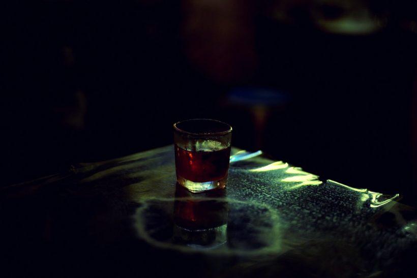 Απόψε πίνουμε γι' αυτά που δεν έγιναν ποτέ