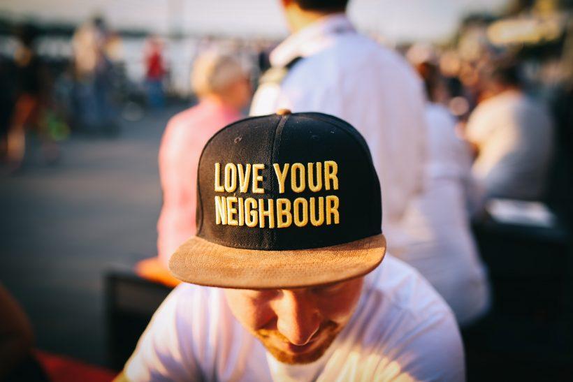 5 τρόποι να προσεγγίσεις γειτονάκι χωρίς να καρφωθείς