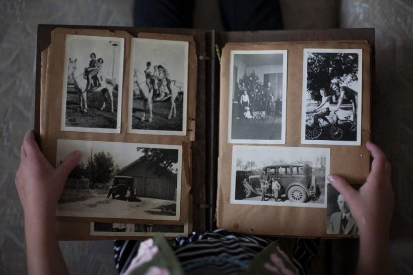 Κάνε μια βουτιά στα παλιά οικογενειακά σου άλμπουμ