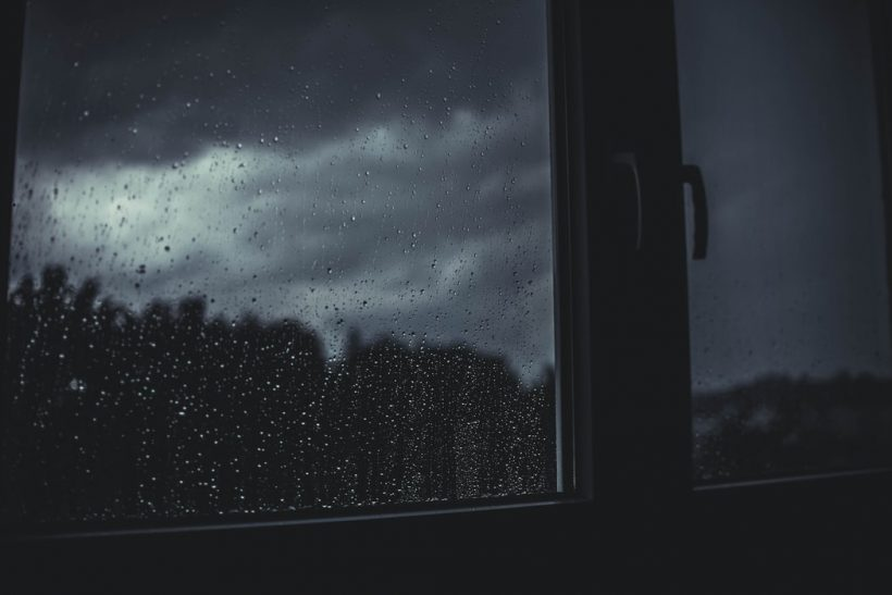 Ασύγκριτη η αίσθηση του να σε παίρνει ο ύπνος με βροχή
