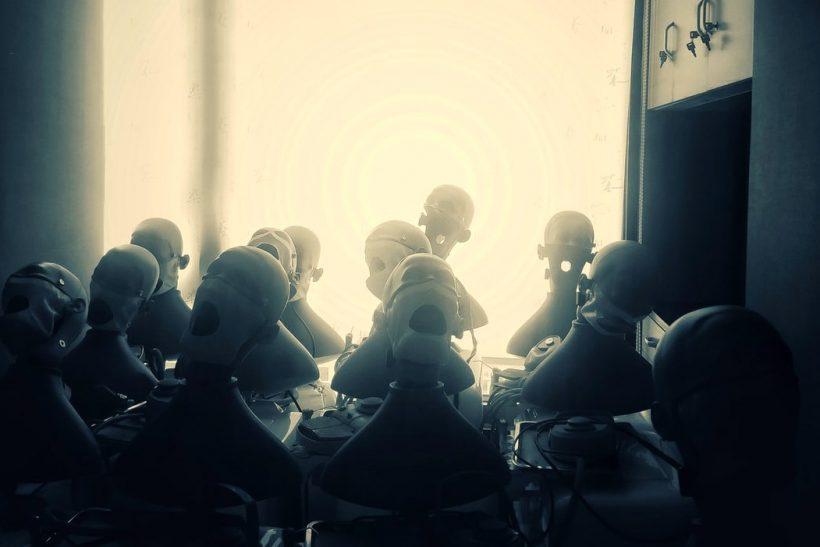 Συλλογικός ναρκισσισμός: οι «τέλειοι» που ψάχνουν να το ακούσουν