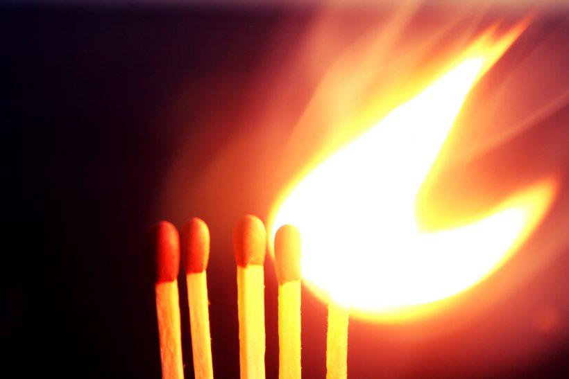 Καψούρα ή παιχνίδι με τη φωτιά;