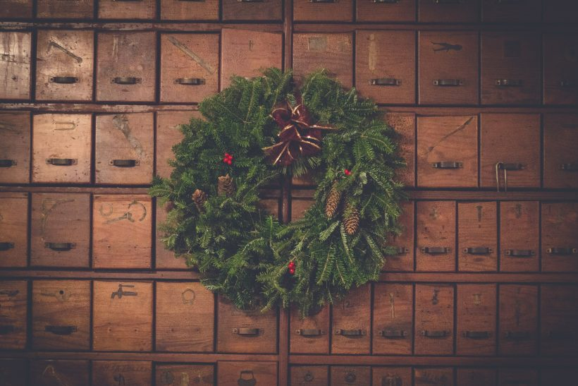 15 αλλόκοτα χριστουγεννιάτικα έθιμα απ' όλο τον κόσμο