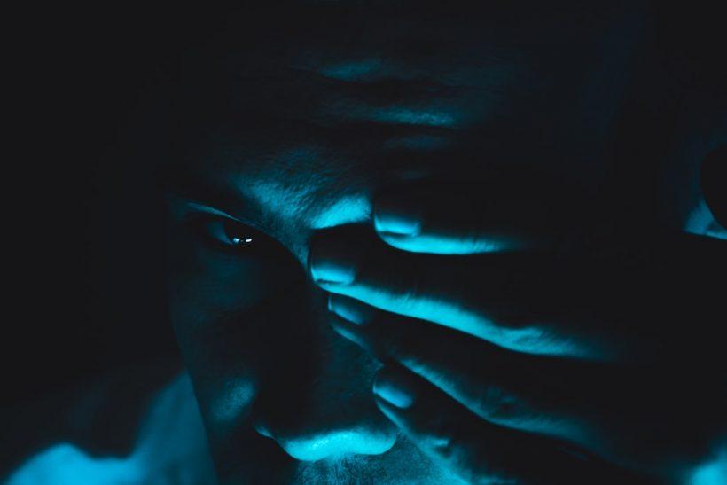 Τυφλός αυτός που δέχεται ή αυτός που απορρίπτει την απιστία;
