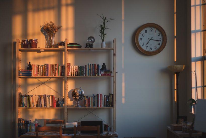 Η σημασία του decluttering σε φορτωμένη ζωή και σπίτι