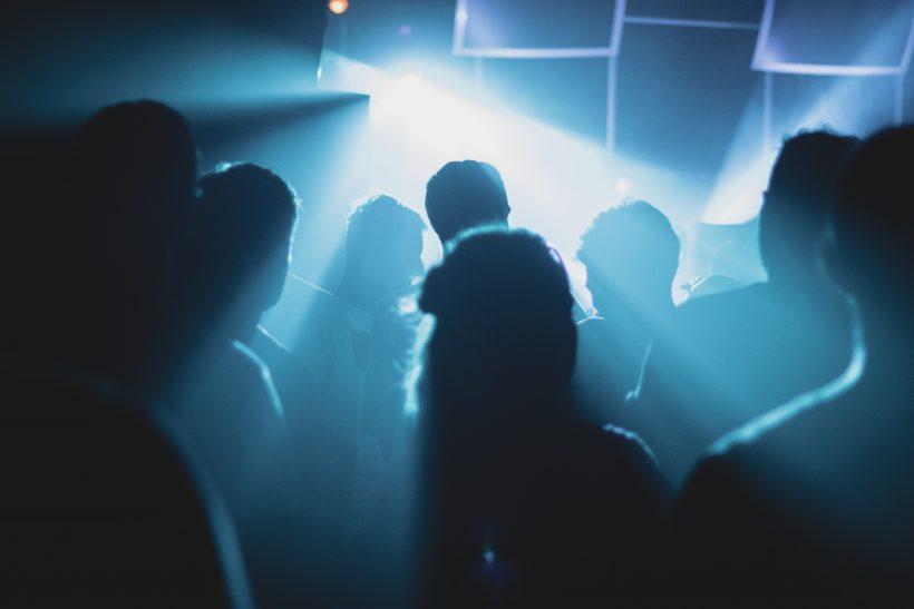Τα αξέχαστα εφηβικά πάρτι των '90s