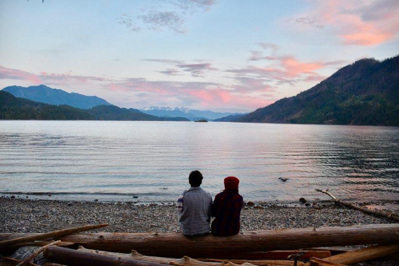 Νονοί και βαφτιστήρια κοντά ηλικιακά· τι καλύτερο;