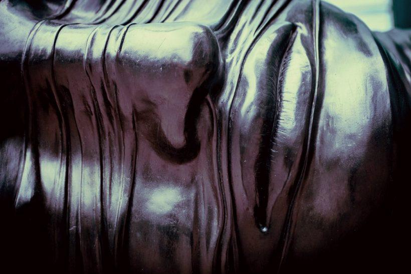H τέχνη κρύβεται στον άνθρωπο ή ο άνθρωπος στην τέχνη;