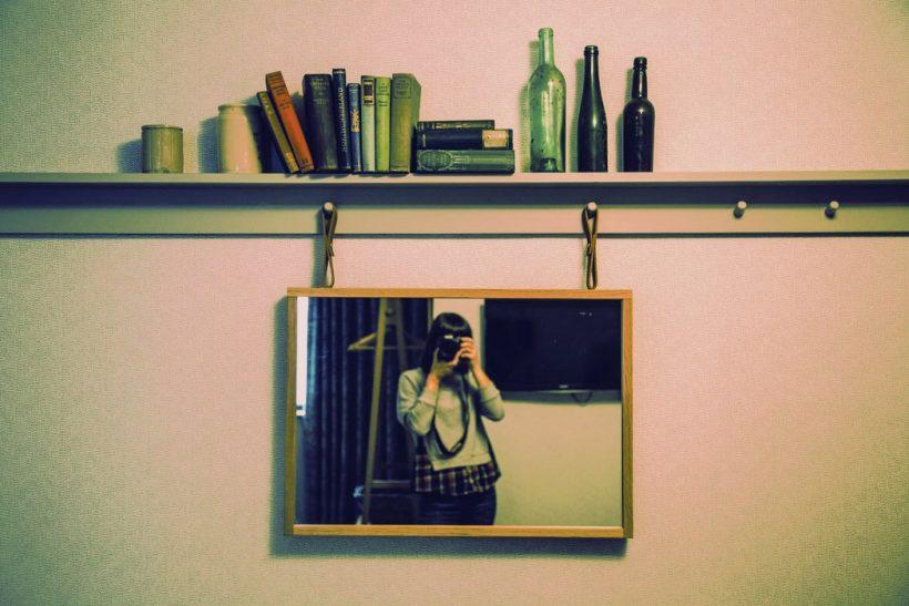Η μάχη ανάμεσα στον καθρέφτη και την κάμερά μας