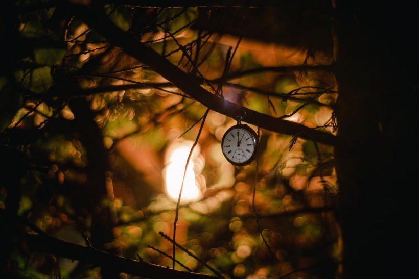 Γιατί όσο μεγαλώνουμε ξεμένουμε από χρόνο;
