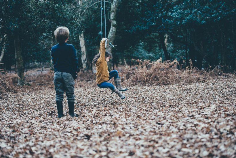 Πόσα απαγορεύουμε σήμερα στα παιδιά μας που εμείς κάναμε μικροί;