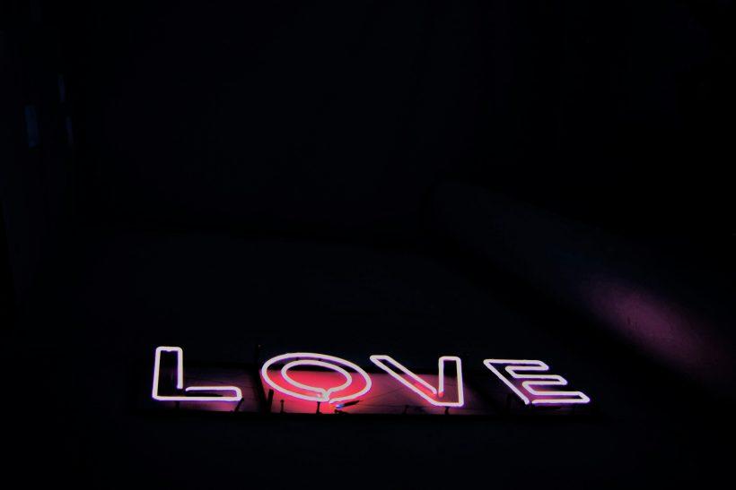 6 έρωτες που μας κέρδισαν κι ας μην είχαν τον πρωταγωνιστικό ρόλο