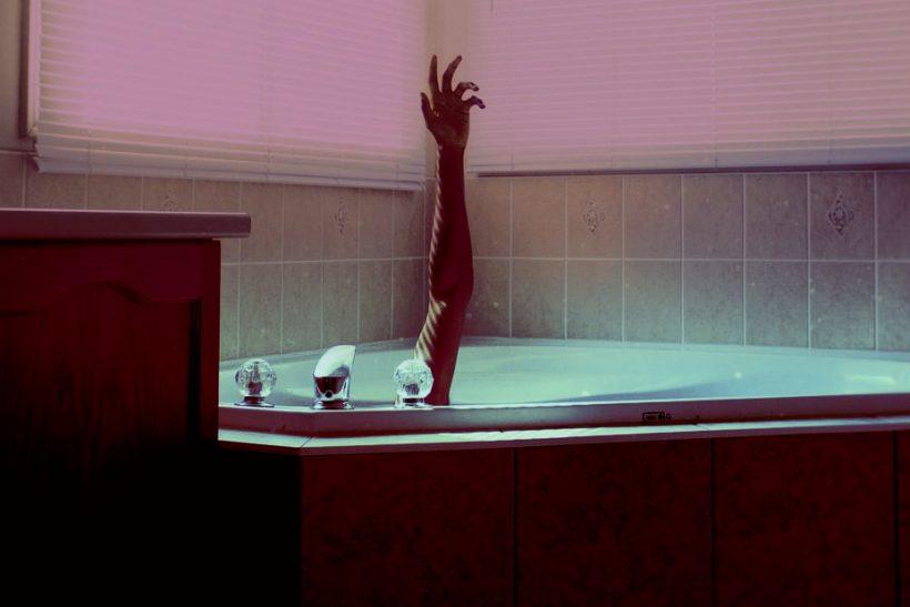 «Πολύ θα ήθελα αλλά έχω να κάνω μπάνιο τη μαϊμού μου»