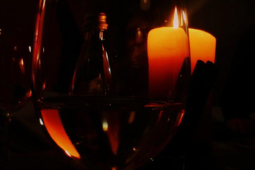5 tips για ρομαντική κατάσταση σε σπίτι που δε μένεις μόνος