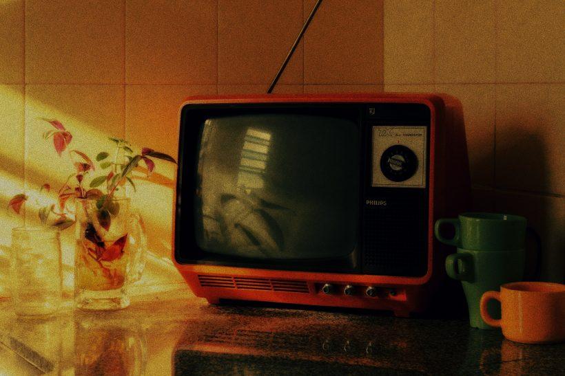 Φεύγει το πρώτο παιδί και το σπίτι θυμίζει εικόνες σαπουνόπερας