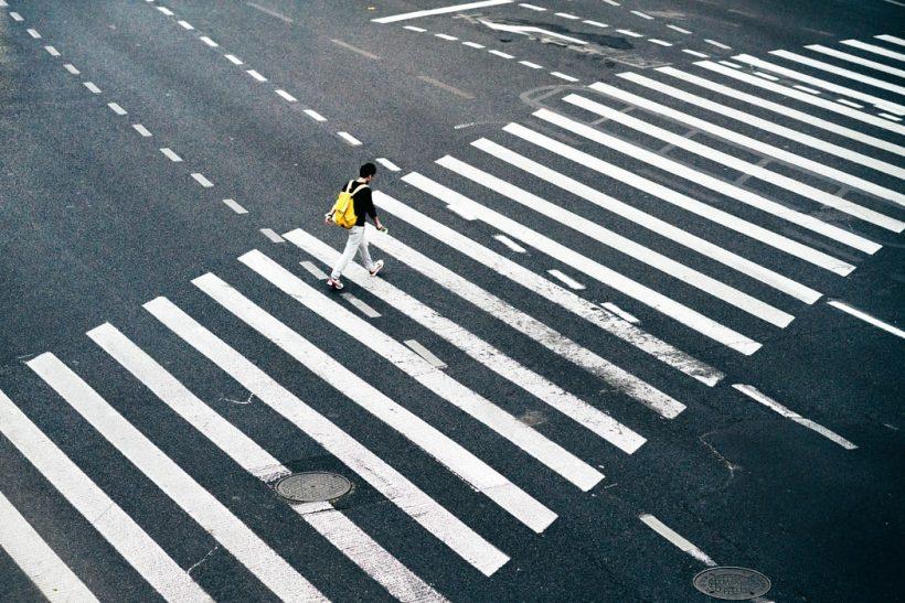 Πώς μια μοναχική βόλτα μπορεί να γίνει η ψυχοθεραπεία σου