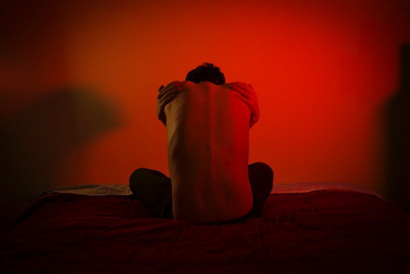 Η κουλτούρα της αυτοαγάπης μάς απομακρύνει απ' το πρόβλημα