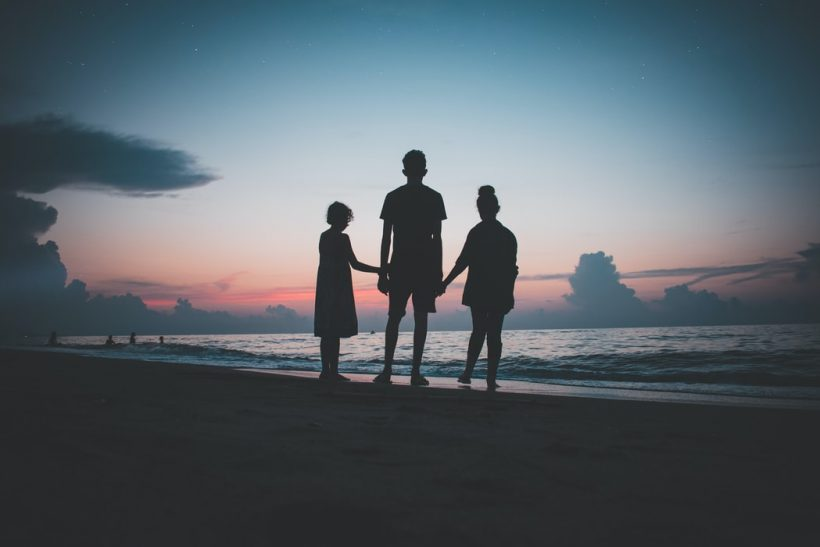 Αν οι γονείς χωρίσουν λόγω απιστίας το παιδί πρέπει να το μάθει;