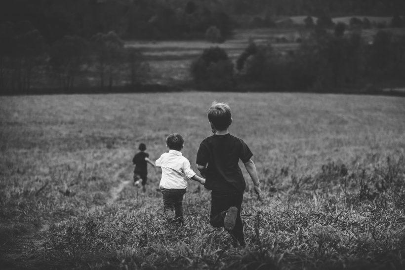 Σκέψου το ενδεχόμενο υιοθεσίας παιδιού από άλλη χώρα