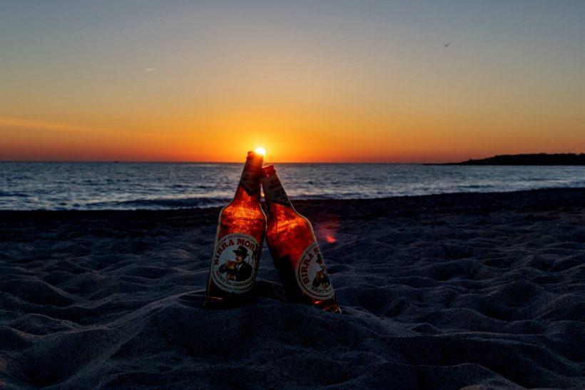 Να 'χα άλλη μια μπίρα μαζί σου στη θάλασσα