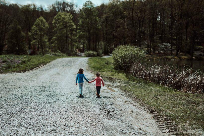 Όταν τα μεγαλύτερα αδέρφια γίνονται κατάσκοποι των γονέων