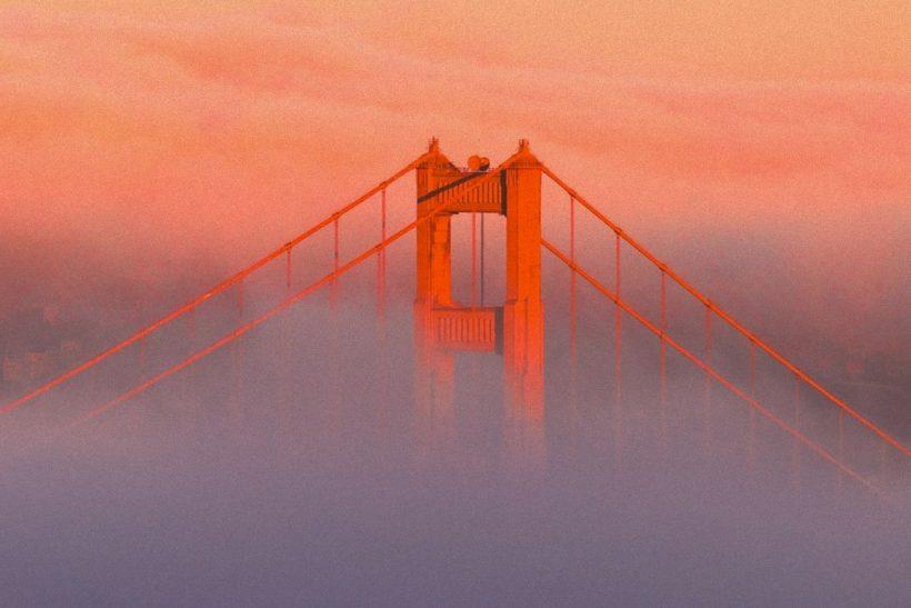 Οι γέφυρες είναι για να τις διασχίζεις ή να τις καις