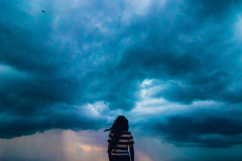 Ερωτευόμαστε κι είναι σαν καταιγίδα και καύσωνας μαζί
