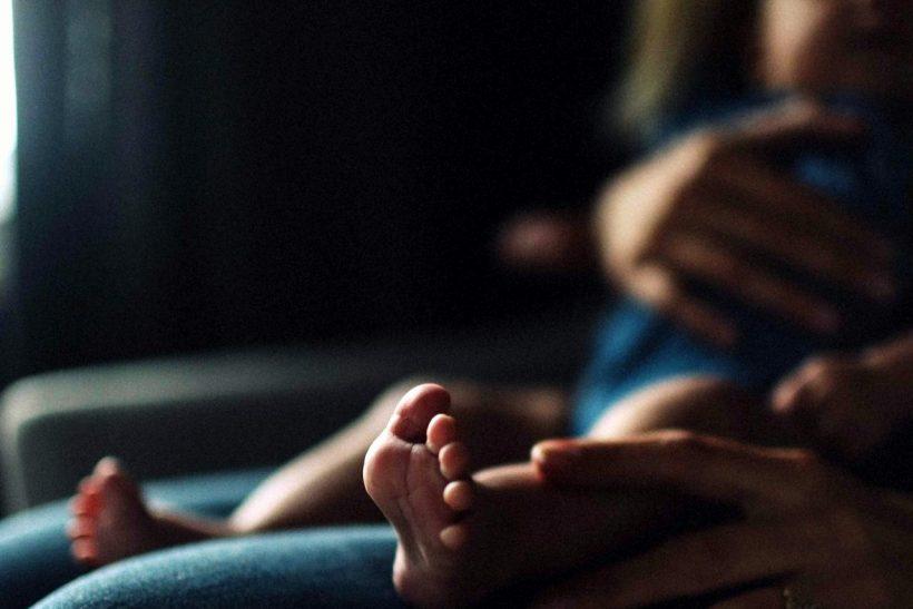 Tι αλλάζει μέσα μας όταν μαθαίνουμε την αγκαλιά απο μικροί