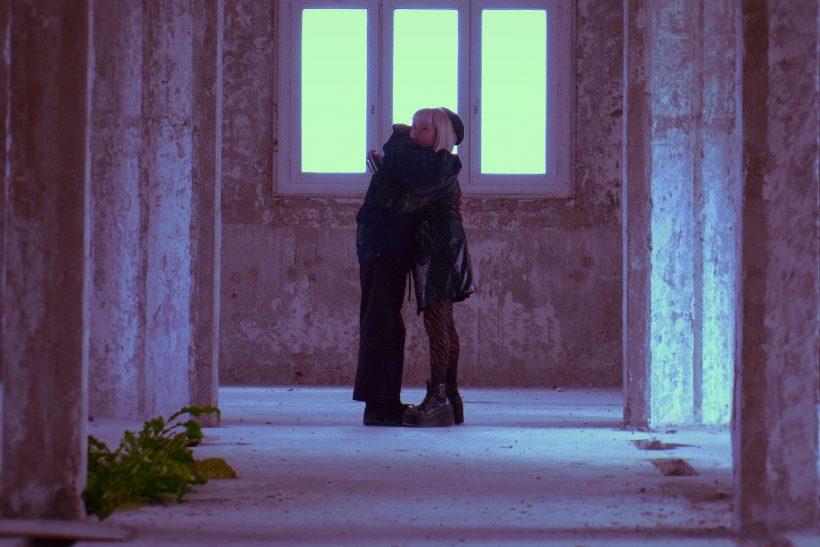 Ίσως κερδισμένος να είναι αυτός που στον έρωτα δεν ψάχνει τίποτα