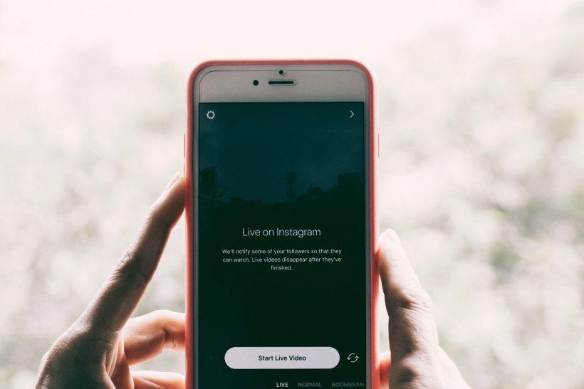 Όχι δεν είναι τόσο απλό να κλείσεις τα social media